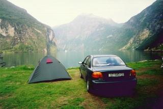 kampiranje uz prekrasan fjord
